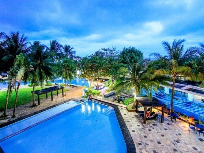 Cebu Blue Ocean Academy pool